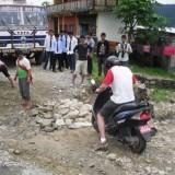 Photo Flashback: DIY Roadworks in Nepal!