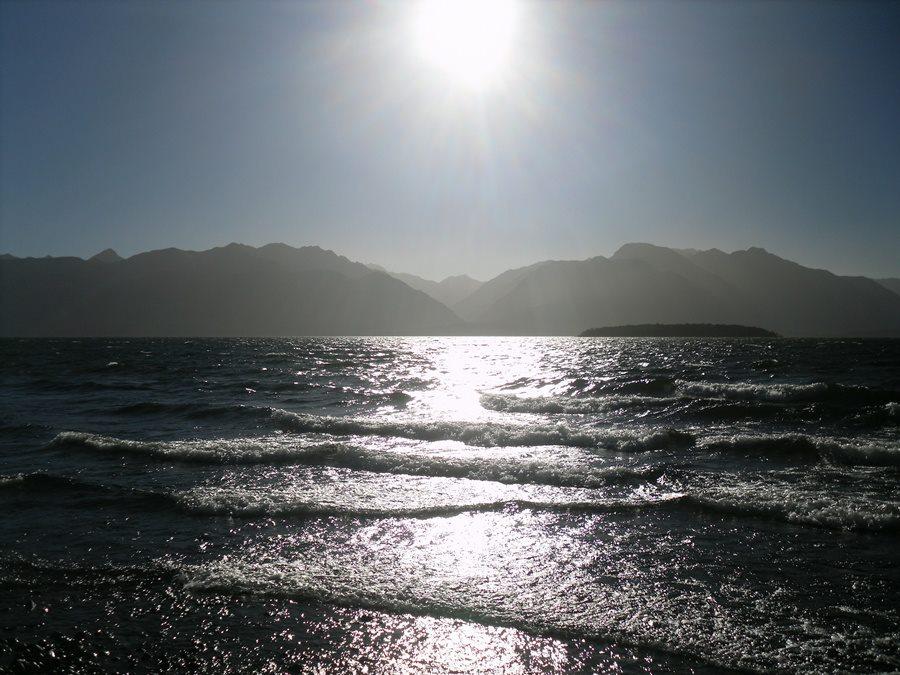 lake-te-anau-new-zealand