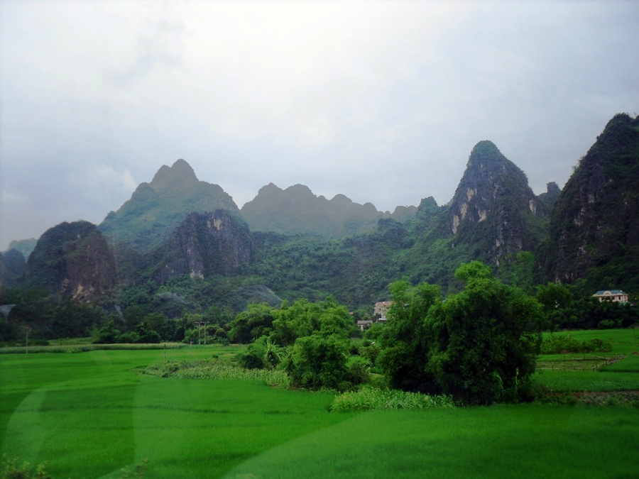 First glance of Vietnam from the bus