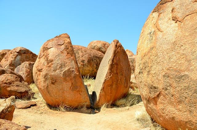 Devils Marbles, Australia, Outback