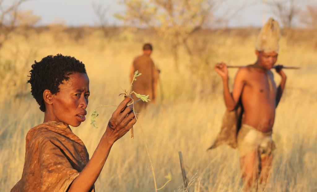 Responsible Travel Botswana Ghanzi San walk (Ruan Mey)