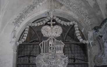 Photo Flashbacks…Kutna Hora Crest of Bones